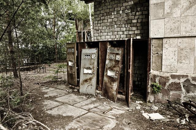 staré elektrické skříně