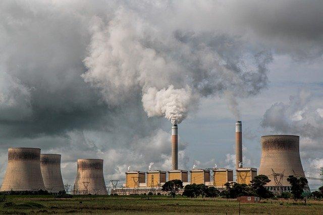 smog z elektrárny