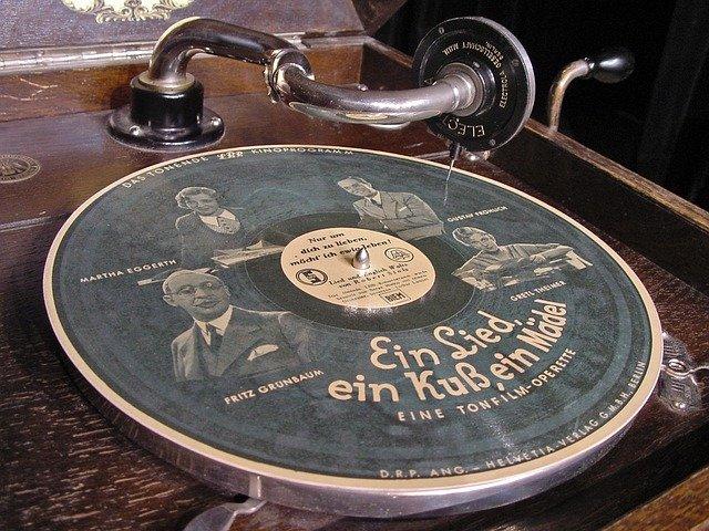 gramofon a stará deska