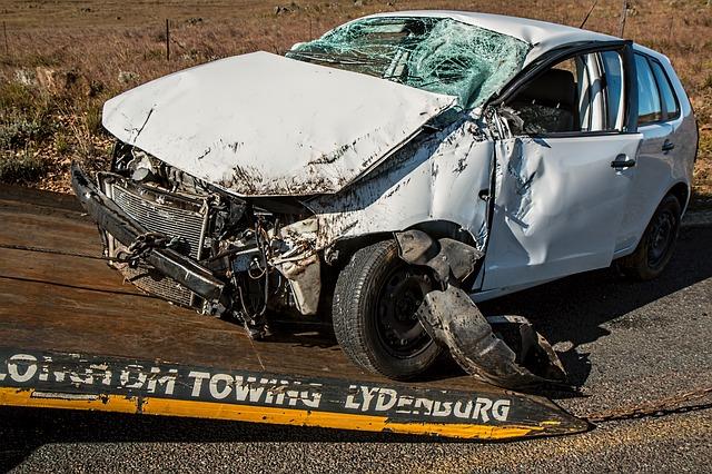 nakládání automobilu po nehodě