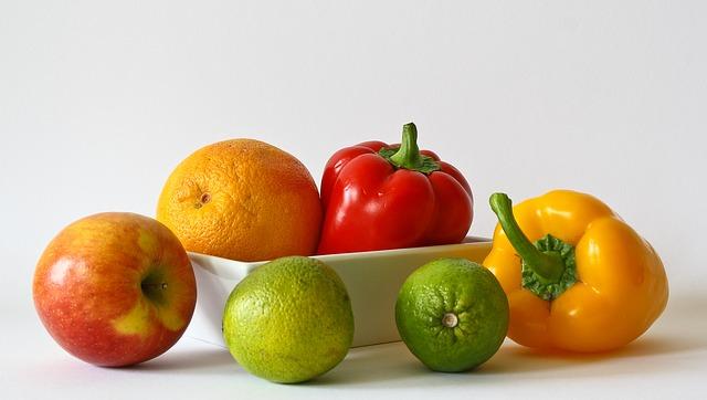 ovoce a zelenina s miskou