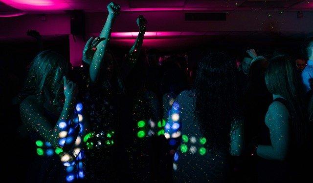 tanec na discotéce