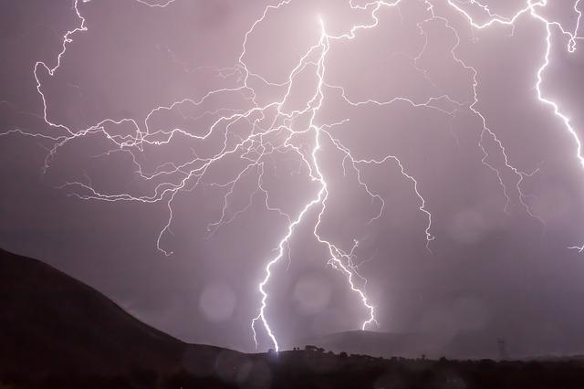blesky bouře.jpg