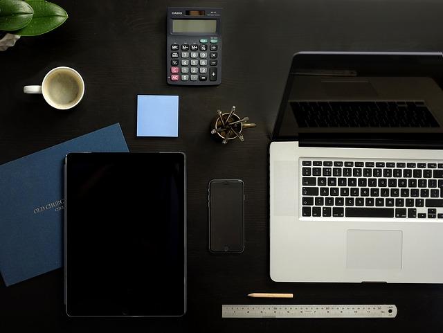 stůl pro práci