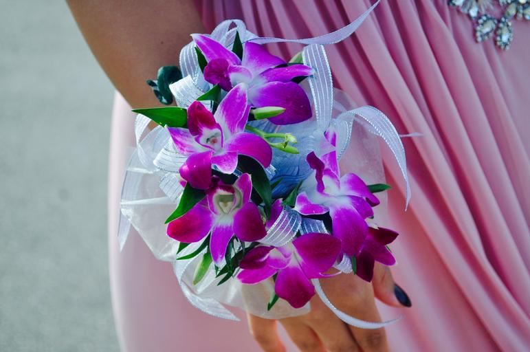 květina na ruce