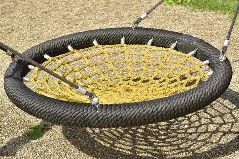 houpačka ve tvaru kruhu.jpg