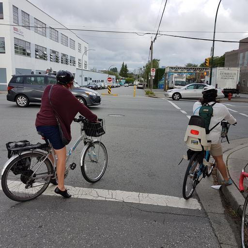 vhodný dopravní prostředek do města pro ženy