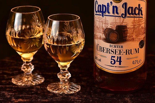 skleničky rumu.jpg