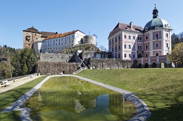 zámek s hradem Bečov nad Teplou