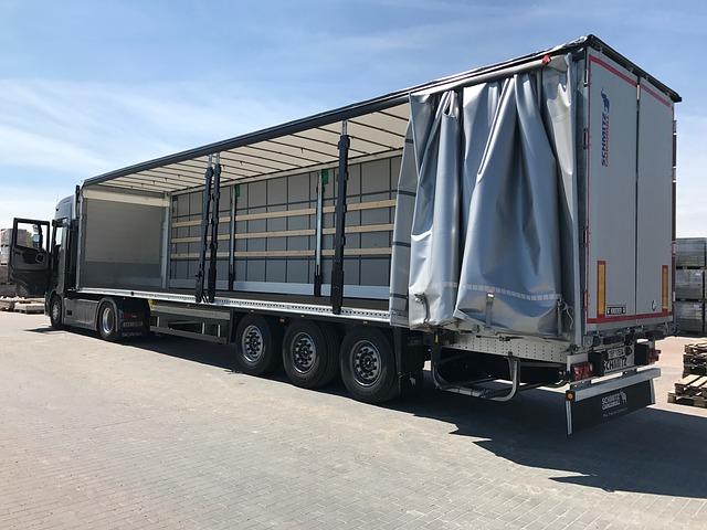 nakládání kamionu